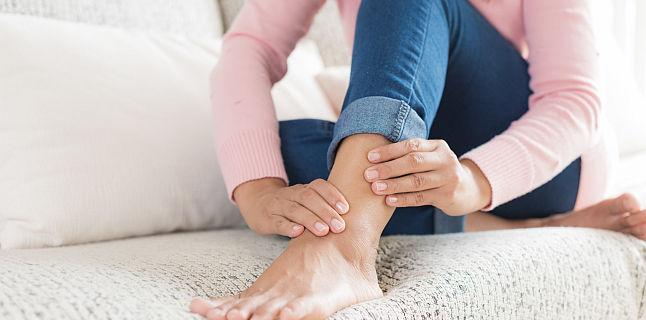 reduce picioarele și articulațiile
