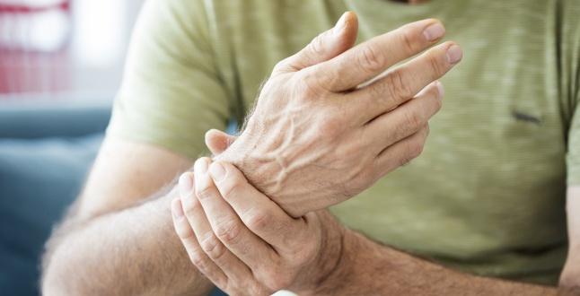 Cum să ușurezi rapid inflamația articulațiilor din brațe. Trag braț în congelate umerii