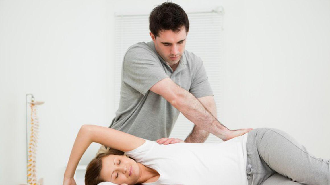 osteopatul vindecă articulațiile