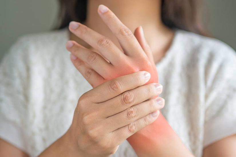 leziuni la nivelul articulațiilor mâinilor preparate pentru osteochondroza cervicală a coloanei vertebrale cervicale