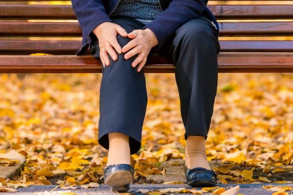 Ce sa faci daca esti meteosensibil si ai dureri articulare, care se acutizeaza in sezonul rece
