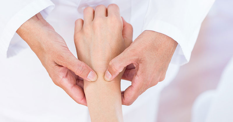 Am artrita reumatoida decat sa tratez