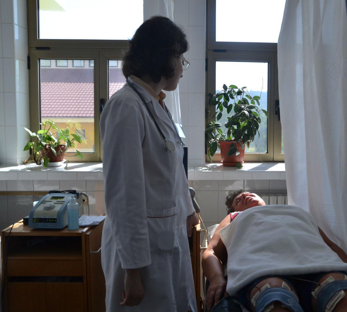 durere persistentă în articulația umărului mâinii drepte durere severă a tratamentului articulației degetului mare