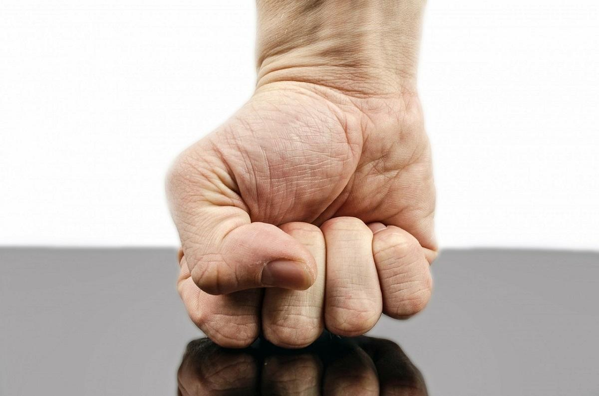 mâinile durere decât tratament