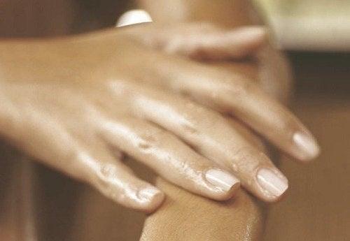 posibile cauze ale durerii în articulațiile umărului