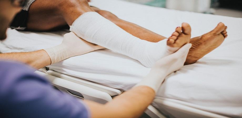 Picioare umflate și grele: cauze și soluții - Doctorul Zilei