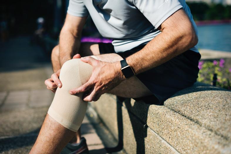 prinderea unei articulații a genunchiului