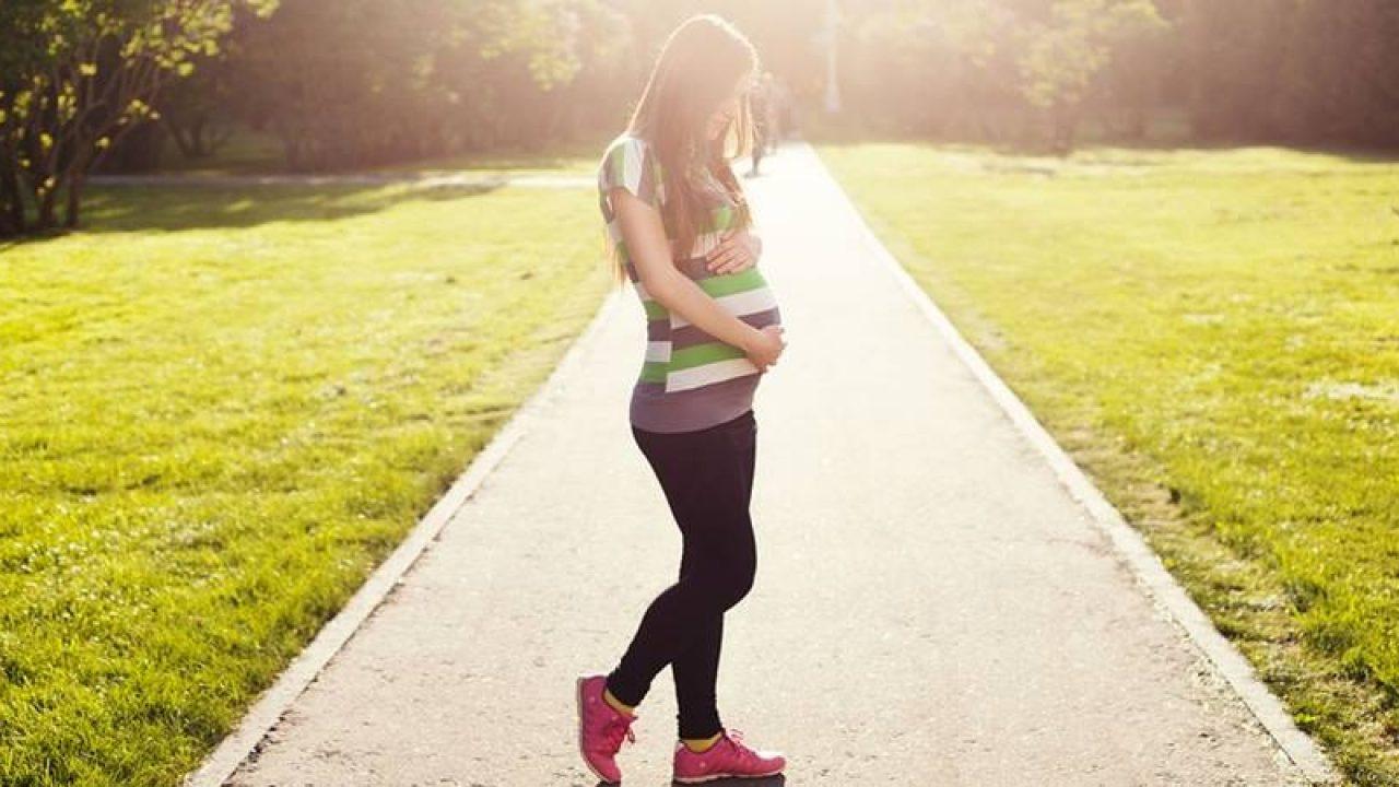 15 remedii naturale pentru a combate picioarele umflate în sarcină