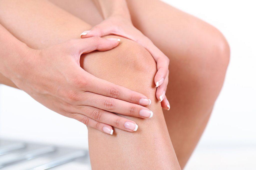 medicul tratează durerile de genunchi durere de țesuturi moi a articulațiilor și oaselor